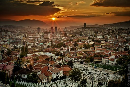 Sunset over Bosnian capital, Sarajevo. Photo by Sarajevo Times.